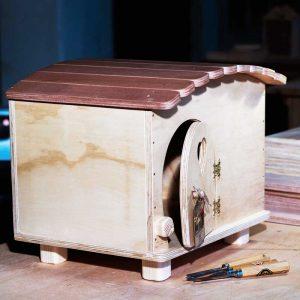 Gina - Casa in legno per Gatti - Blitzen