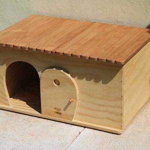 SEMPLICITY - Casa Rifugio in Legno per Gatti o Piccoli Animali - Blitzen