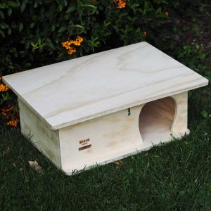 Wooden Hedgehog House on Grass lateral view - Blitzen